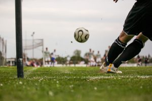 Spela fotboll med os tibiale externum kan göra ont
